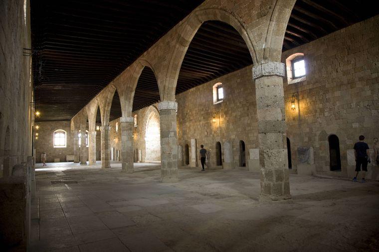 Das Ritterkrankenhaus im Archäologischen Museum in Rhodos-Stadt.