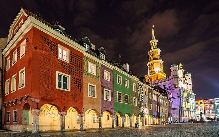 Historischer Marktplatz mit Rathaus in Posen