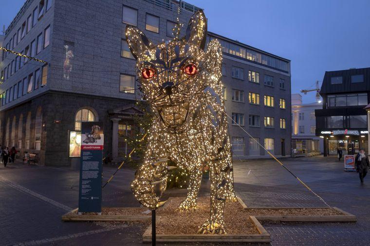 Die traditionelle isländische Weihnachtskatze soll Kindern Angst machen.