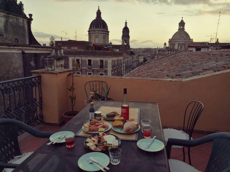 Ein Moment auf dieser Dachterrasse im Herzen von Catania und um mich war es geschehen.