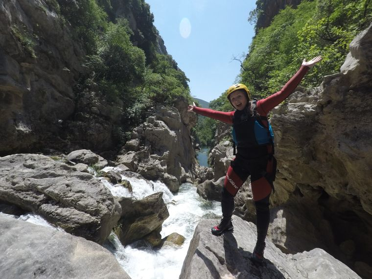 In Split gab's Action für Carina: Canyoning im Fluss Cetina.