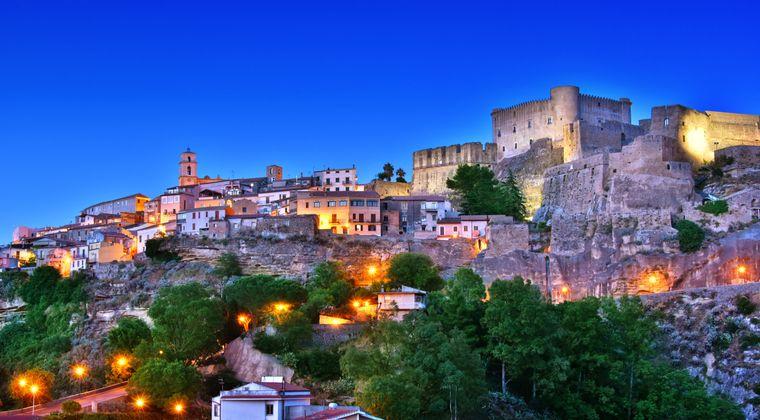 Santa Severina in Kalabrien gehört zu den schönsten Dörfern Italiens – und sucht neue Einwohnerinnen und Einwohner.