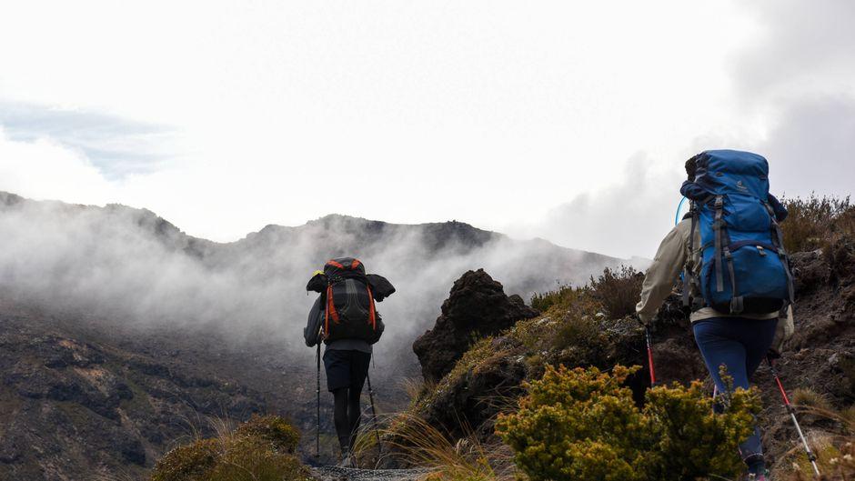 Mit auf der Liste der schönsten Tageswanderungen weltweit ist das Tongariro Alpine Crossing in Neuseeland.
