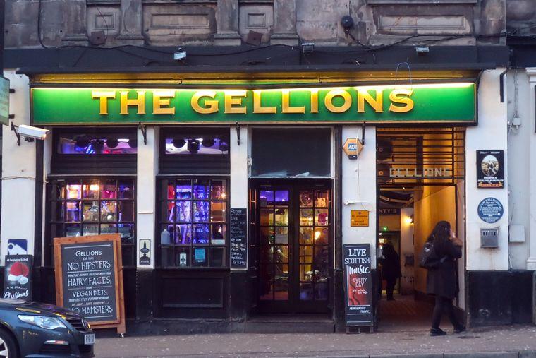 """Im 1841 gegründeten """"Gellions"""" gibt's jeden Abend Livemusik."""