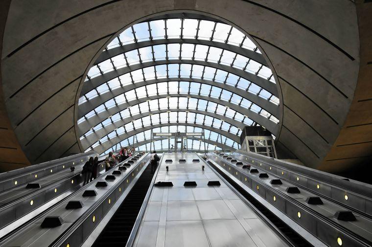 """In der U-Bahn-Station Canary Wharf in London wurden Innenaufnahmen der geheimen Militärbasis des Imperiums auf Scarif (""""Rogue One: A Star Wars Story"""") gedreht."""