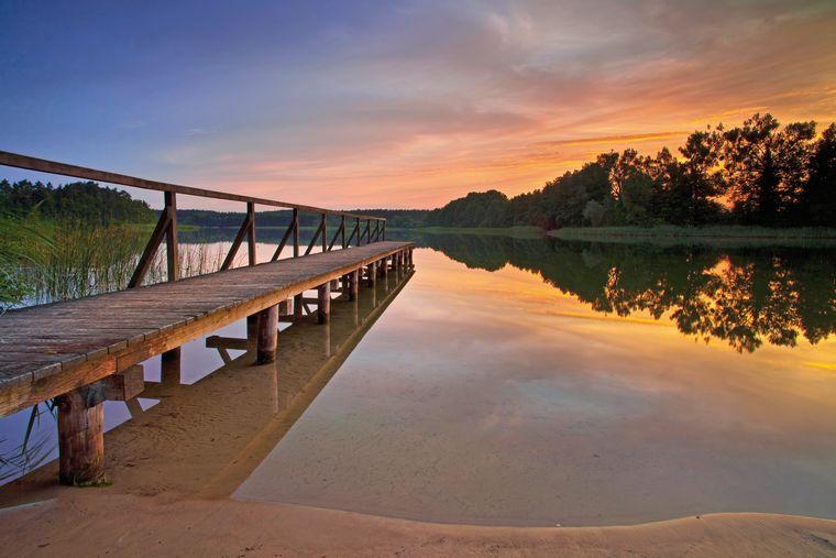 Am Müritz-See im Müritz-Nationalpark herrscht in den Abendstunden eine ganz besondere Stimmung.