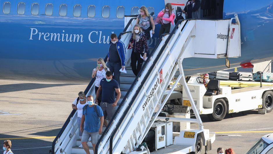 Rückkehrer aus bestimmten Urlaubsländern müssen in Quarantäne.