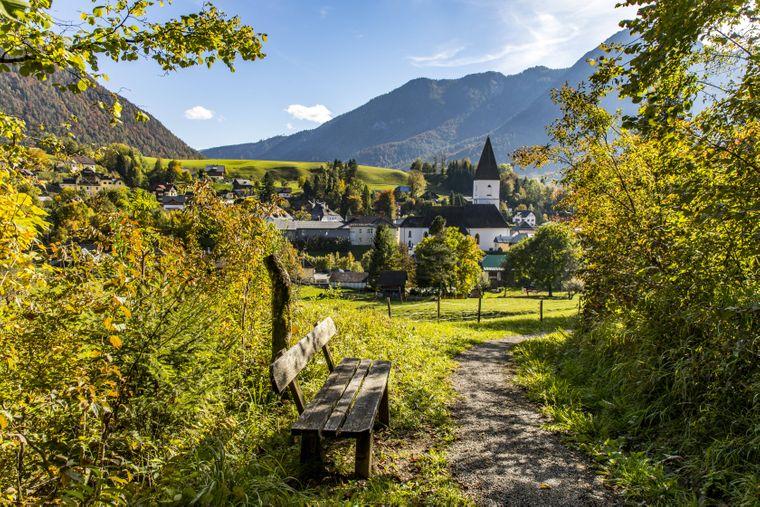 Wanderweg unterhalb des Tressenstein-Bergs bei Bad Aussee.