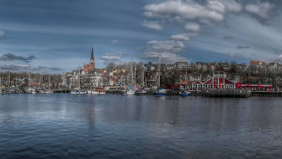 Flensburg von der Wasserseite - bezaubernd schön.