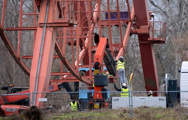 Das Riesenrad im Spreepark Plänterwald wird in seine Einzelteile zerlegt und saniert.