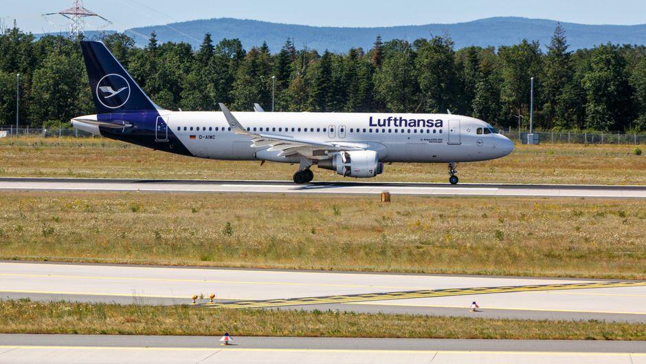 Ein A320 für Lufthansa am Flughafen Frankfurt am Main.
