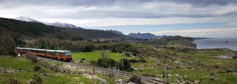 Der Zug El Expreso de la Robla fährt im Juli und September zwischen Bilbao und der Pilgerstadt Léon.