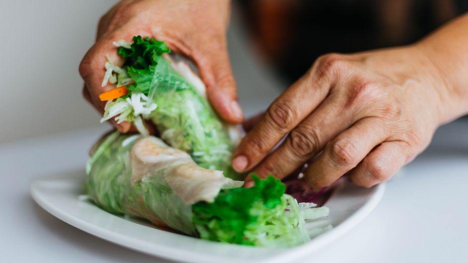 Asiatische Sommerrollen mit Gemüse.