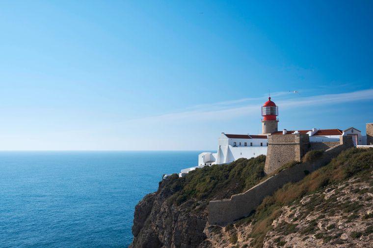 Der Leuchtturm bei Sagres an der Algarve ist der südwestlichste Punkt Europas.