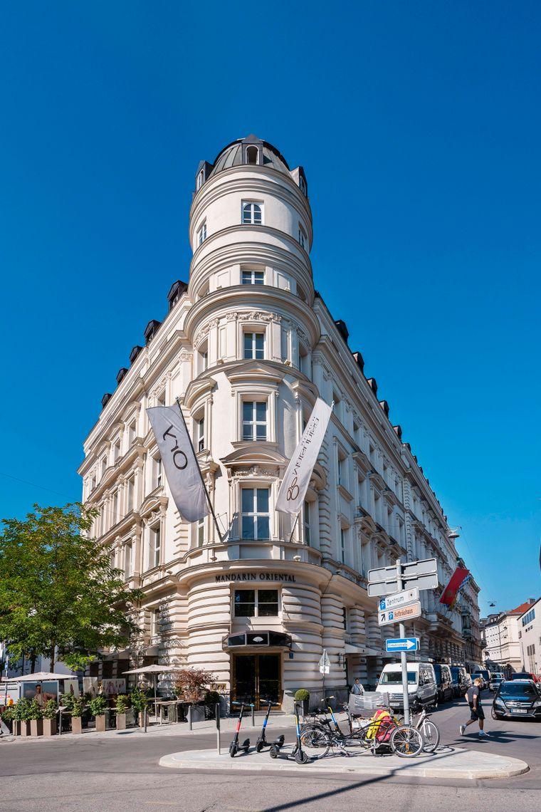 Das imposante Luxus-Hotel Mandarin Oriental in München.