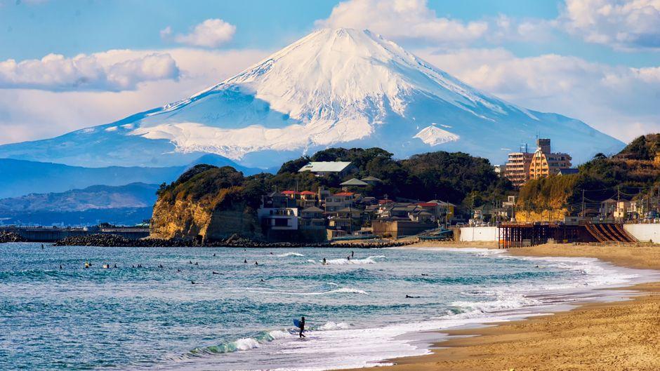 In der Nähe des Fuji-Bergs findest du das älteste Hotel der Welt.