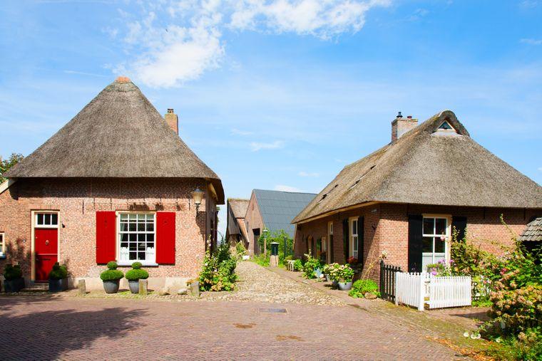 Die kleine Stadt Bronkhorst in den Niederlanden liegt am Ostufer der Ijssel.