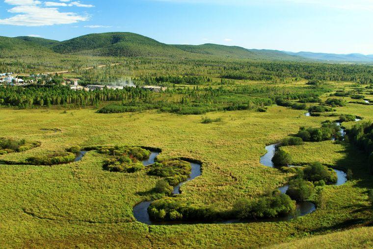 Flusslandschaft in Hulunbuir Meadow in der Mongolei.