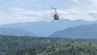 Mit einem Helikopter von Talkeetna Air Taxi brachte Alaska Airlines das Gepäck zu dessen Besitzer.