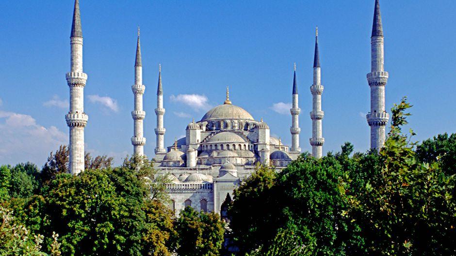 In Istanbul findest du zahlreiche Kulturstätten, die an längst vergangene Tage erinnern.