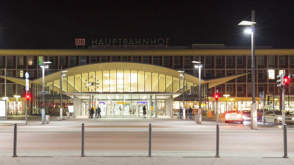 """Die Toiletten am Hauptbahnhof Bochum werden bei Google als """"echt mies"""" bewertet."""
