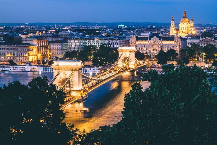 Brücke über die Donau in Budapest.