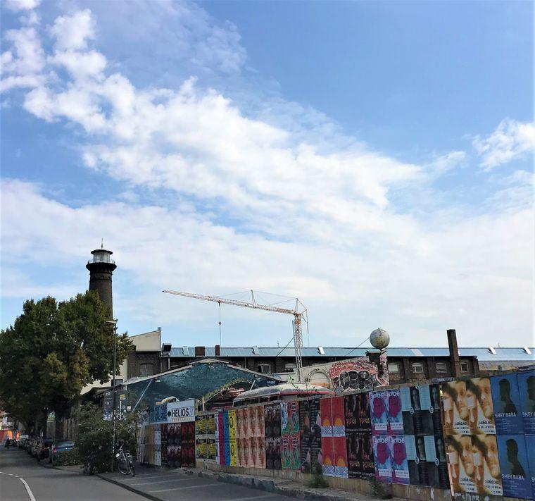 Ehrenfeld hat sogar einen Leuchtturm: der Turm des Elektrotechnikunternehmens Helios ist heute ein Industriedenkmal.