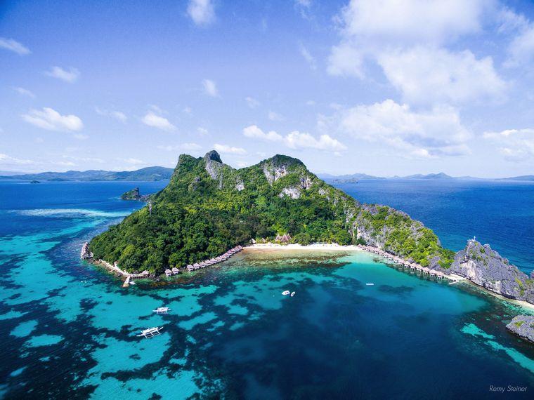 Die Philippinen sind bekannt für traumhafte Inseln wie Apulit Island in der Taytay-Bucht im nordöstlichen Palawan.