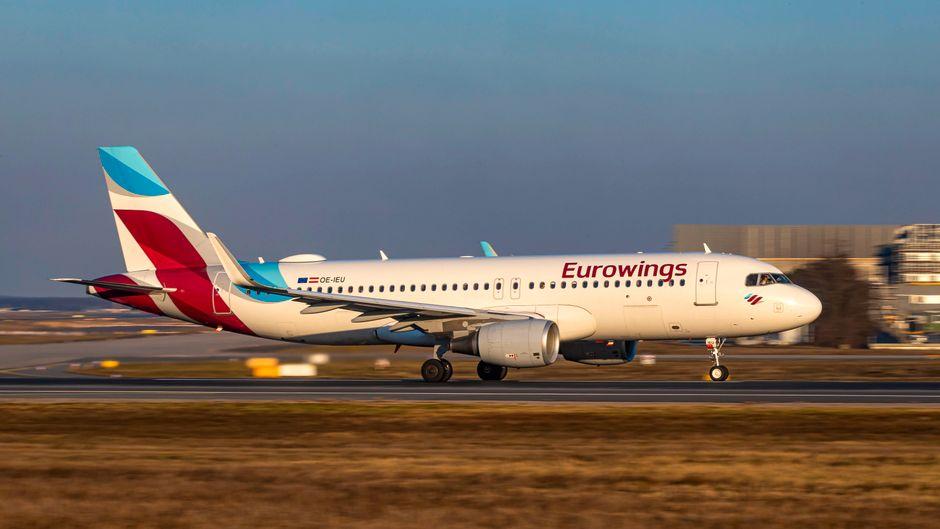 Eurowings-Flugzeug beim Start.