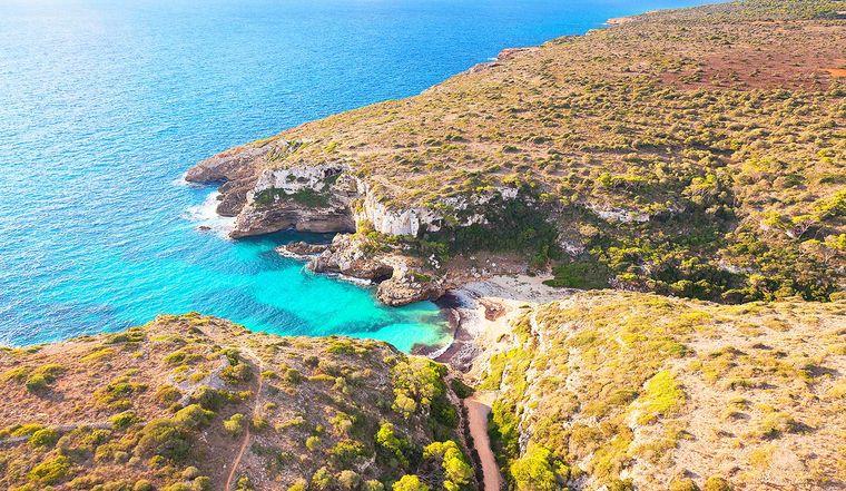 Ganz im Süden von Mallorca liegt die Cala Màrmols.