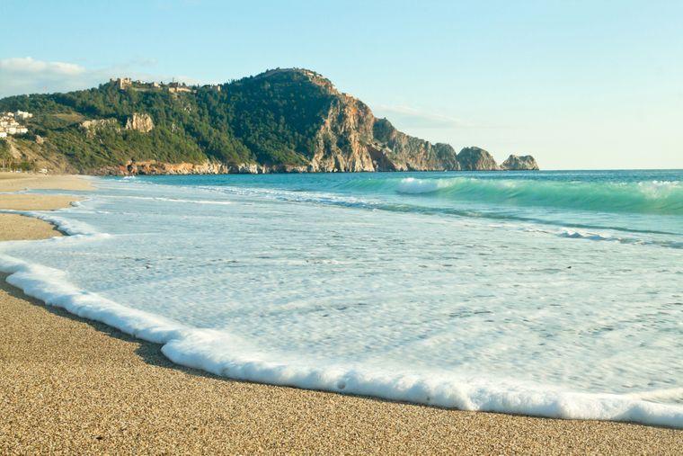 Der Cleopatra Beach in Antalya gehört zu den beliebtesten Stränden des Urlaubsgebietes.