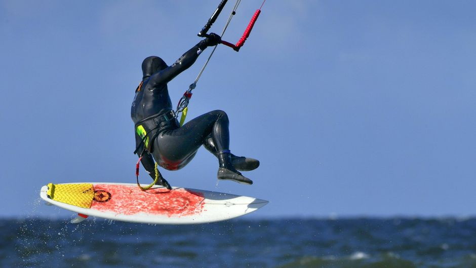 Keine Angst: Du musst kein Wassersportprofi sein, um dich in die Fluten vor der Ostseeküste von Rerik zu stürzen!