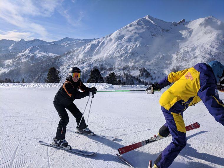 Abschleppdienst Barney: Auf Skiern zu gehen war anstrengender als gedacht.