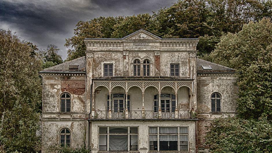 Faszination Lost Places – hier siehst du die Heiligendam-Villa.