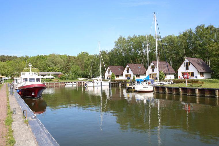 Der Lieper Winkel liegt zwischen dem Achterwasser und dem Peenestrom auf der Insel Usedom. Er ist gekennzeichnet von ursprünglichen Fischerkaten und reetgedeckten Fachwerkhäusern.