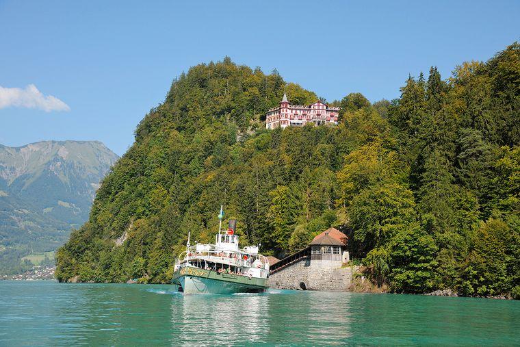 Das Grandhotel Giessbach steht besonders malerisch am Berg am Brienzer See.