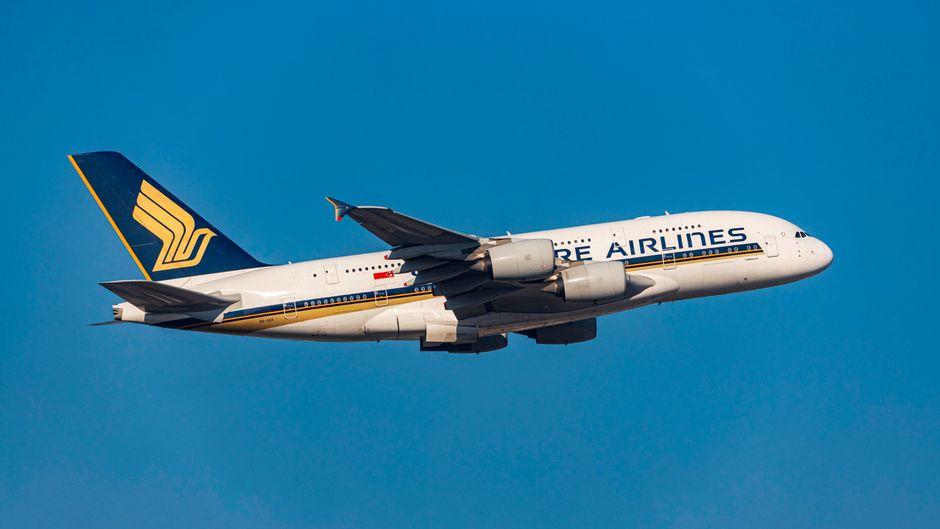 Ein Unternehmen aus Köln stellt aus einem Airbus A380 Schlüsselanhänger her.