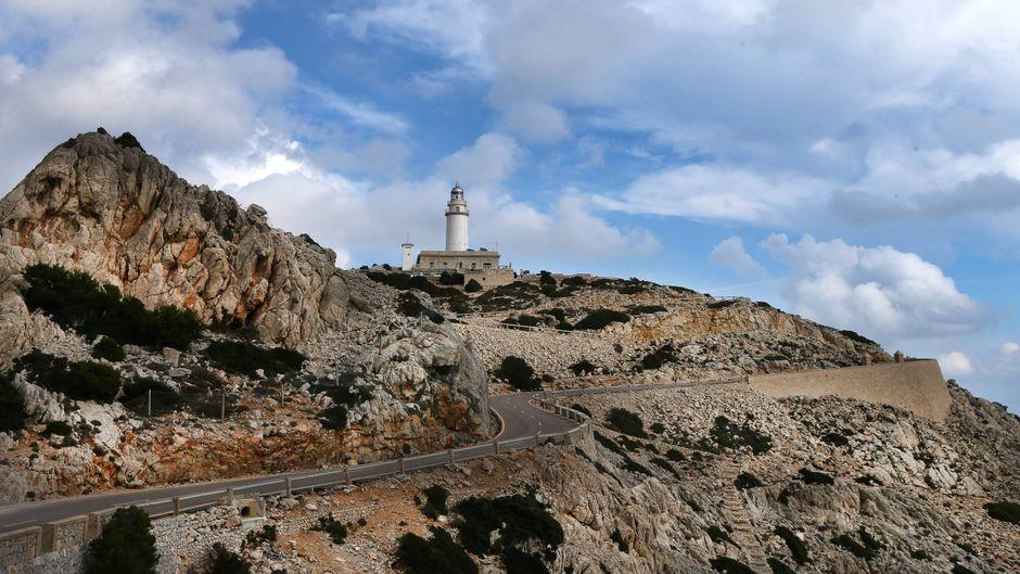 Das Cap de Formentor mit dem Leuchtturm ist bei Urlaubern auf Mallorca sehr beliebt.