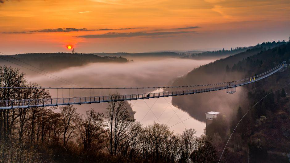 Das ist die weltweit längste Hängeseilbrücke.