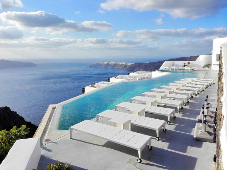 In Griechenland ist für jeden Urlaubstypen etwas dabei: Ob Luxuspool im Hotel oder Campingplätze.
