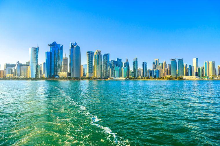 Doha erstreckt sich entlang der gleichnamigen Bucht.