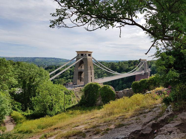 Die Clifton Suspension Bridge ist das Wahrzeichen Bristols.