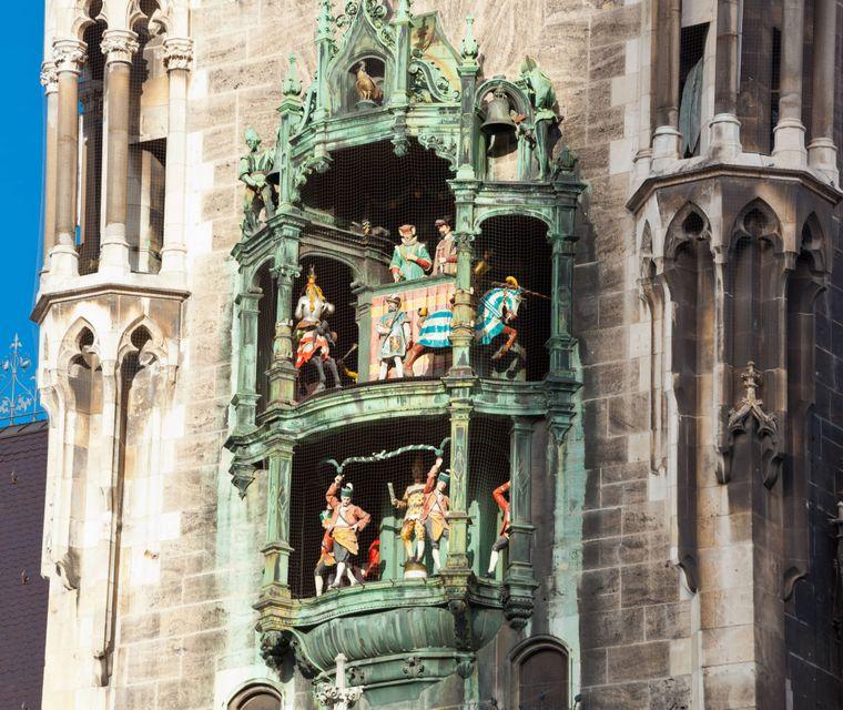 Das Glockenspiel am Münchner Marienplatz.