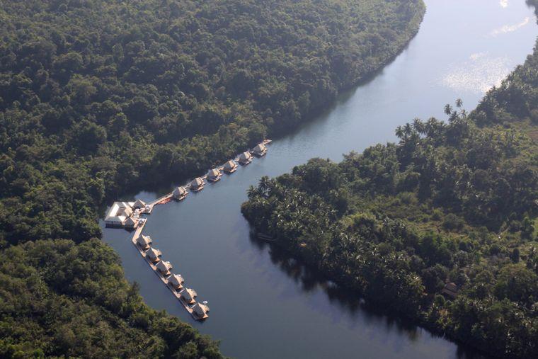 """""""4 Rivers Floating Lodges"""" in Kambodscha inmitten der Natur auf einem Fluss im Kardamongebirge"""