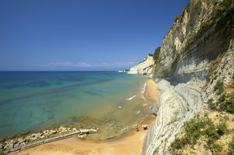 Londas Beach bei Peroulades auf Korfu.