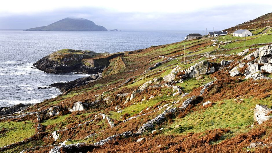 Blick auf Deenish Island in Irland.