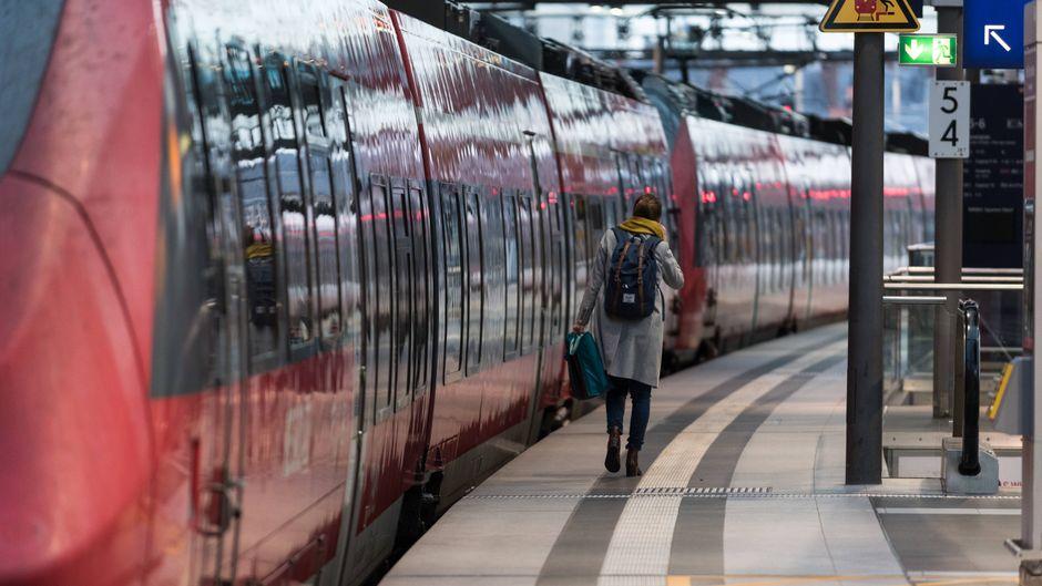 Mit dem Schönes-Wochenende-Ticket können Reisende mit Regionalbahnen durch ganz Deutschland fahren. (Symbolfoto)