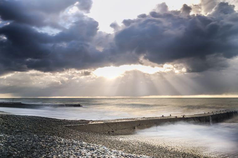 Magisch: Das Spiel aus Wolken und Sonne sorgt für eine beeindruckende Aussicht.