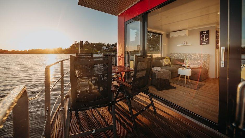 Abendstimmung auf dem Floating Home.