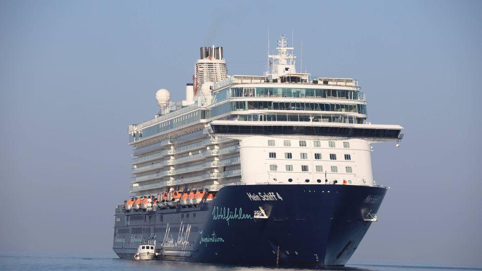 """Das Kreuzfahrtschiff """"Mein Schiff 4"""" von Tui Cruises."""